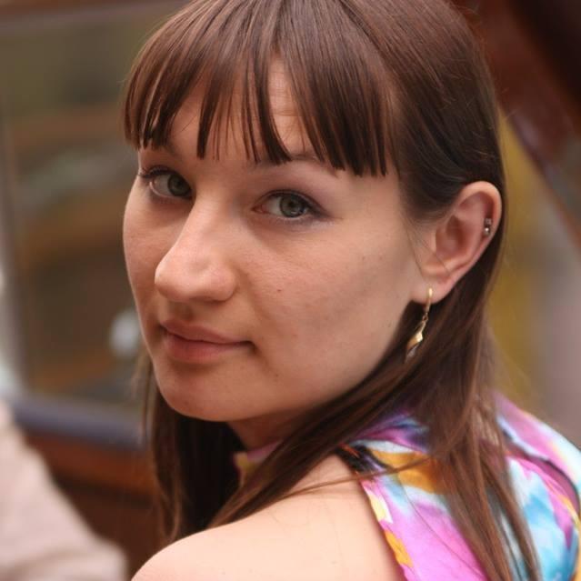 Dans Assistente: Valeriya
